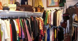 Punto di raccolta indumenti chiuso fino a dopo Pasqua